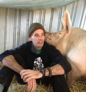 Cameron, author of AusVegan.com.au with Holly from Farm Animal Rescue